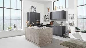 interliving küche serie 3012 mit siemens einbaugeräten schwarz marmorgrau zweizeilig