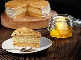 mit schmand kondensmilch russischer honigkuchen für genießer