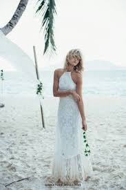 If Your Wedding Will Be On The Beach You Must Choose Suitable Dresses From Light Fabrics Chiffon Or Silk With Decorative Trim