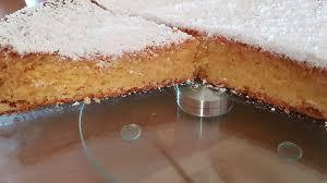 saftig fluffiger weißer schokoladenkuchen