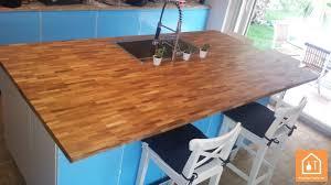 assemblage plan de travail cuisine un plan de travail en bois massif à petit prix bricolage facile