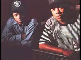 Eazy E Death Bed by How Dre Used Straight Outta Compton To Fix History Moviepilot Com