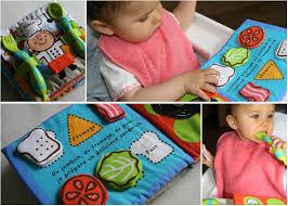 livre cuisine bébé bébé découvre la cuisine grâce à nouveau livre les délices d