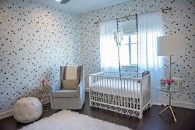 papier peint chambre b b mixte salle deau faience avec frise verticale