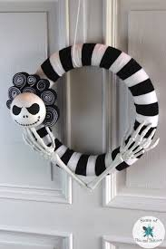 Nightmare Before Christmas Halloween Decorations Diy by Diy Nightmare Before Christmas Wreath Wreaths Crafts And