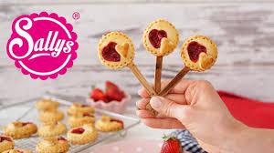 erdbeer pie pops am stiel picknick mini pie to go sallys welt