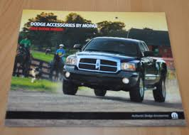 2005 Dodge Dakota Accessories Truck Brochure Prospekt - AUTO BROCHURE