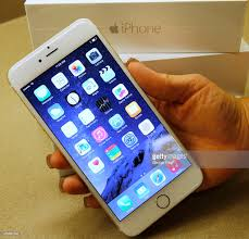 Verizon Store Stocks Shelves With New Apple iPhone 6 s and