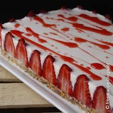 erfrischende erdbeer schoko frischkasetorte 4 1 5