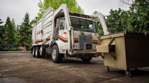 Volvo Garbage Truck.VOLVO FMX2 REARLIFT GARBAGE COMPACTOR Comvex ...