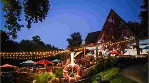 Try These Top 17 Outdoor Dining Spots Around Louisville