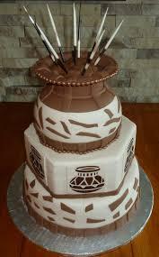 traditional wedding cake photo 9