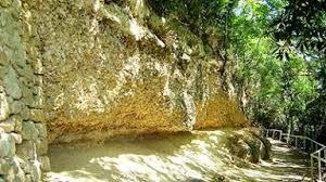 chateau des mailles caves et distilleries sainte croix du mont