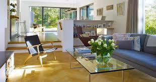 designhaus wohnzimmer crichton durch zwei stufen in den