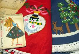 Ebay Christmas Tree Skirts by Cassie Stephens Diy Tree Skirt To Lady Skirt In 60 Minutes Or Less