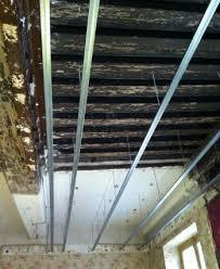 pose rail placo plafond pose des rails à placo pose sur cloison mur plafond réussir