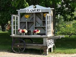 Love Everything About This Portable Flower Stand