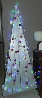 Modern Pallet Christmas Tree