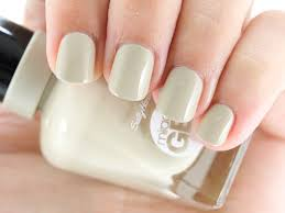 Sally Hansen Led Lamp by Sally Hansen Launches Miracle Gel 14 Day Wear Light Free Gel Polish
