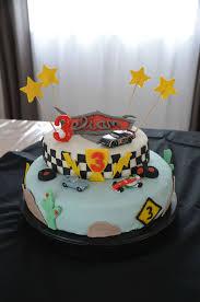 deco gateau en pate a sucre recette de pâte à sucre maison et déco de gâteau d anniversaire
