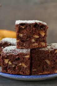 schoko birnen kuchen mit kakao schokolade und milch