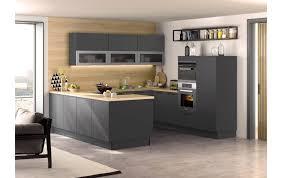edle küche in lavaschwarz matt mit elektrogeräten der firma miele