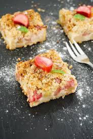 rhabarberkuchen mit quark und streusel kalorienarmes rezept