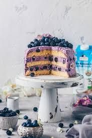 heidelbeer kokos torte mit joghurt frosting