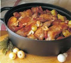 cuisiner du lapin facile recette de lapin sauté chasseur à la cocotte