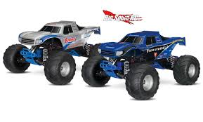 Traxxas Bigfoot Monster Truck With Video « Big Squid RC – RC Car And ... Monster Jam Hits Salinas Kion Truck Easily Runs Over Pile Of Junk Cars Bigfoot Stock Video Game Mud Challenge With Hot Wheels Truck Warning Drivers Ahead Trucks Visit Thornton Public The Maitland Mercury Video Raminator Monster Revs Up Crowd At Bob Brady Auto Crush It Nintendo Switch Games Destruction Police 3d For Kids Educational Destroyer Children Running Ripping Redcat Racings Landslide Xte Dennis Anderson Recovering After Scary Crash In The Grave Digger