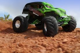 100 Monster Truck Unleashed Traxxas Skully 110 RTR Green NewSunRacing