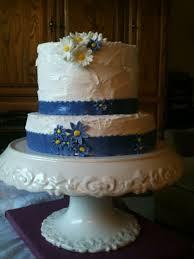 Sweet And Rustic Daisy Wedding Cake
