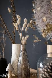 herbstdekoration gräser co schön in vasen dekoriert