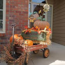 Primitive Decorating Ideas For Outside by Best 25 Fall Wagon Decor Ideas On Pinterest Fall Porches Fall