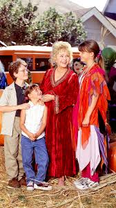 Cast Of Halloweentown 2 by Halloweentown Cast Reunion Debbie Reynolds