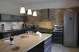 cuisine gris et noir cuisine gris et bois avec stunning cuisine noir mat et bois