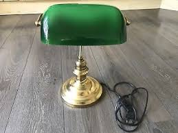 le de bureau opaline verte lampe bureau notaire banquier opaline verte pied laiton