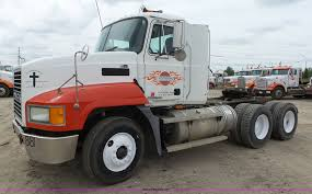 2002 Mack CH613 Semi Truck | Item K2167 | SOLD! September 22... Freightliner Trucks In Iowa For Sale Used On Buyllsearch 1986 Semi Truck Item Bz9906 Sold November 48 Flatbed Trailers For Irving Denton Txporter Truck Truck Trailer Transport Express Freight Logistic Diesel Mack Ari Legacy Sleepers 2001 Sterling At9500 Sale Sold At Auction July 21 Dons Auto Hauling Corngrain Bins Farm Proud To Be A Farmer Minnesota Railroad Aspen Equipment Jordan Sales Inc 2007 Columbia Cl120st E4650 Show Historical Old Vintage Trucks Youtube