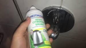 dusche reinigen mit citronen säure badarmatur kalk und schmutz entfernen mit zitronensäure anleitung