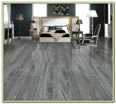 porcelain tile that looks like wood grain tiles home