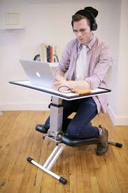 Ergonomic Kneeling Chair Australia by The Edge é Uma Mesa Dobrável Inovadora Desks Kneeling Chair And