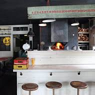 Pizza Bed Stuy by First Look At Saraghina Bringing The Artisanal Pizza Trend To Bed