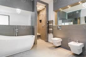 elegantes klassisches badezimmer stock foto