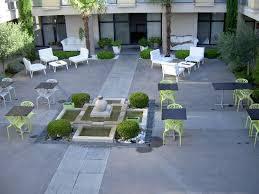 the courtyard photo de hotel le patio de violette uzès