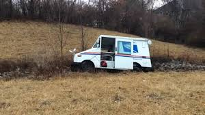 100 Usps Delivery Truck USPS Delivery Truck Crashes Off The Road Near Illinois 159 Tacoma
