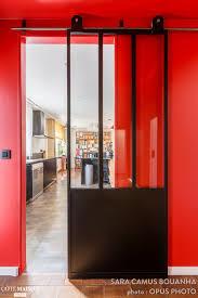 porte de la cuisine une porte verrière sépare désormais le salon de la cuisine