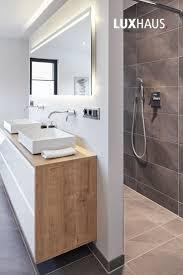 badezimmer einrichtung in grau ein badezimmer mit grautöne