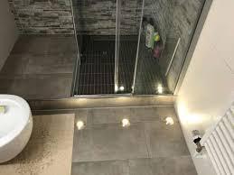 modernisierte wohnung mit drei zimmern sowie balkon und