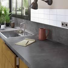 cuisine grise plan de travail bois tourdissant plan de travail cuisine gris anthracite avec cuisine