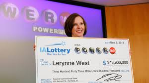 100 Three Sisters Truck Stop Iowa Lottery Winner Lerynne West Bought Ticket While Moving Into House